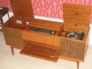 radio phono grundig rossini 4 avec sch ma. Black Bedroom Furniture Sets. Home Design Ideas