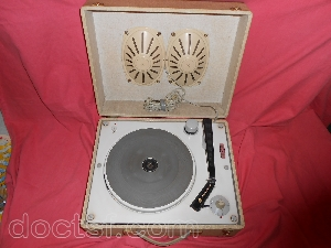 lectrophone platine disque avec ampli hifivox production barbieri. Black Bedroom Furniture Sets. Home Design Ideas